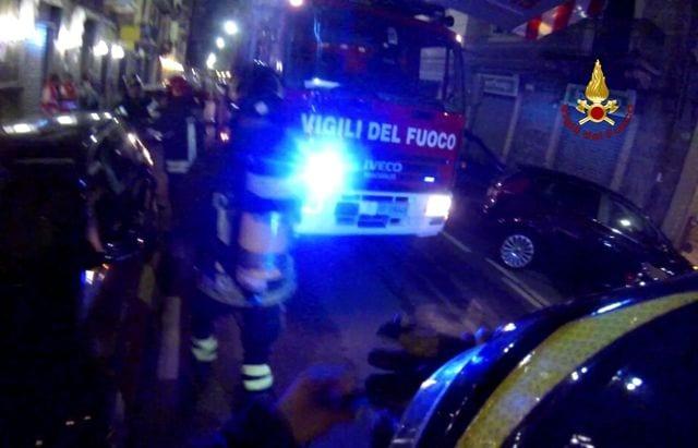 Savona, incendio nella notte in un appartamento di via Guidobono