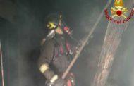 Appartamenti e boschi in fiamme, nottata difficile per i Vigili del Fuoco della Spezia