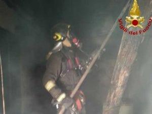 Vigili del Fuoco impegnati nell'incendio sulle alture di Bonassola