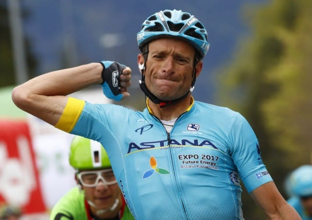 Nella foto, il ciclista italiano Michele Scarponi