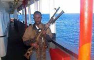 Pirati assaltano nave nel Golfo di Aden, intervengono i militari