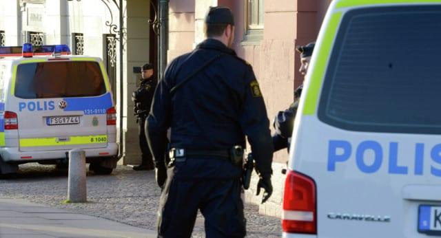 Stoccolma, camion si abbatte sulla folla
