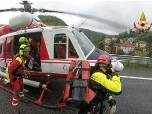 Sestri Levante - Moto in fiamme dopo incidente, auto pirata fugge via
