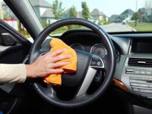 L'auto è un covo di germi, ecco come migliorare la situazione