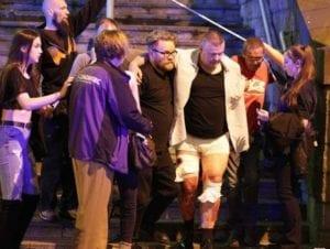 feriti soccorsi a Manchester