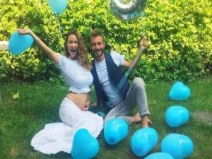 Melita Toniolo e Andrea Viganò diventeranno genitori di un maschietto