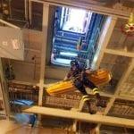 Operaio cade nella stiva della nave, trasferito in codice rosso al San Martino