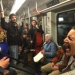Flash mob in metro, Martina Vinci e i ragazzi di Uga cantano Fiona Apple