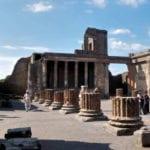 Pompei, rubata borchia di bronzo del VI secolo a.C. durante l'orario di visita