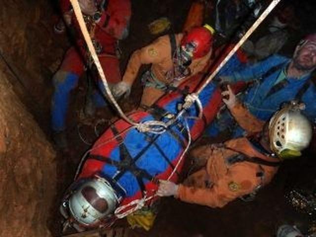 Terremoto a Rieti, speleologa intrappolata per ore a 150 metri di profondità