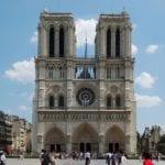 Parigi – Assalto a Notre Dame, uomo ferito dalla polizia dopo aggressione