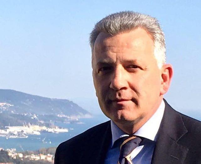Genova - Crollano due terrazzi in via Colano a Bolzaneto