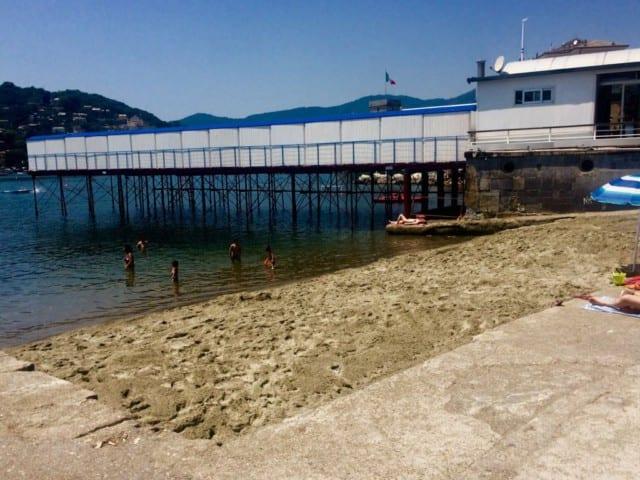 Nella foto, la spiagge delle Nagge