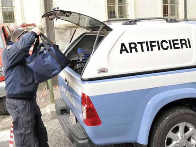 Rapallo, rientrato l'allarme bomba in via Bolzano per una valigia sospetta