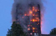 Londra - Brucia la Grenfell Tower, maxi incendio in oltre 20 piani - VIDEO