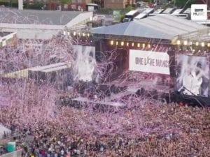 Old Trafford gremito per il concerto One Love Manchester
