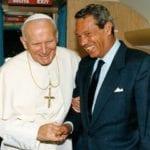 Vaticano, addio a Navarro Valls, storico portavoce di Papa Wojtyla