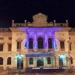 #blue4charlie – Palazzo Comunale di Savona illuminato di blu (con polemiche)
