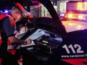 Savona, fermata per un controllo stradale ha cocaina in auto: denunciata 27enne
