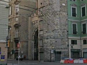 Amore proibito in centro storico, il tour delle case chiuse per i vicoli di Genova