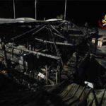 Spotorno, in fiamme i Bahia Blanca: stabilimento completamente distrutto