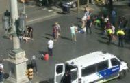 Barcellona - Furgone sulla folla di turisti, 2 morti