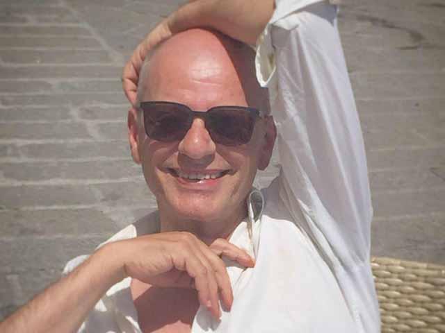 Addio a Michele Serrano inventore di notti e locali