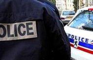 Auto contro gruppo di militari a Parigi, un arresto