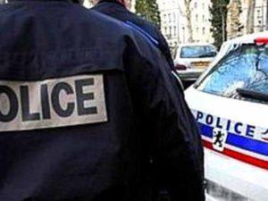 Parigi, militare aggredito nel metrò da uomo che ineggiava ad Allah