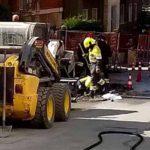 Pegli, cade macchina operatrice e provoca fuga di gas