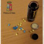 Nasconde dosi di eroina in una lattina mentre è ai domiciliari, arrestato 24enne