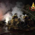 Rogo in cascina a Milano, in fiamme 500 balle di fieno