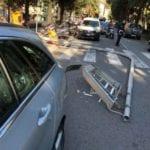 """Arenzano – Cade palo dell'illuminazione stradale e """"sfiora"""" auto in sosta"""