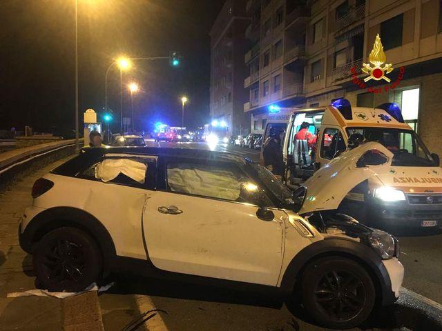 Grave incidente in corso Saffi, cinque feriti