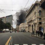 Genova – Incendio in un palazzo di corso Buenos Aires, strada chiusa