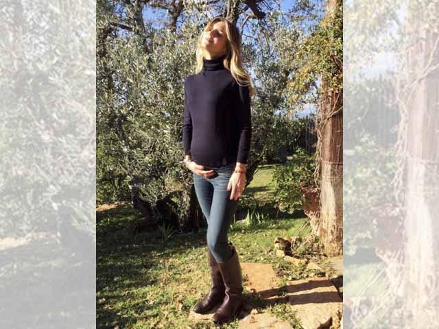 Nicoletta Romanoff incinta: l'attrice in attesa del quarto figlio