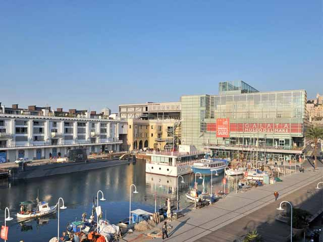 Genova - Arriva alla Darsena Oloferne, il Museo navigante