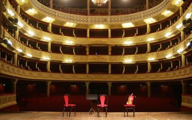 Genova, dalla prossima stagione un abbonamento teatrale dimezzerà gli spettacoli negli altri teatri