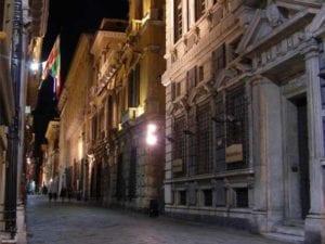 Genova, furto alla libreria antiquaria di via Garibaldi