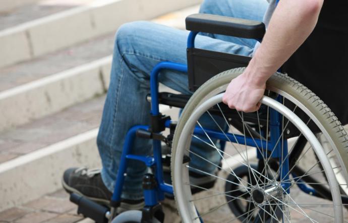 Disabili - Giovane tetraplegico potrà assumere la madre come assistente personale