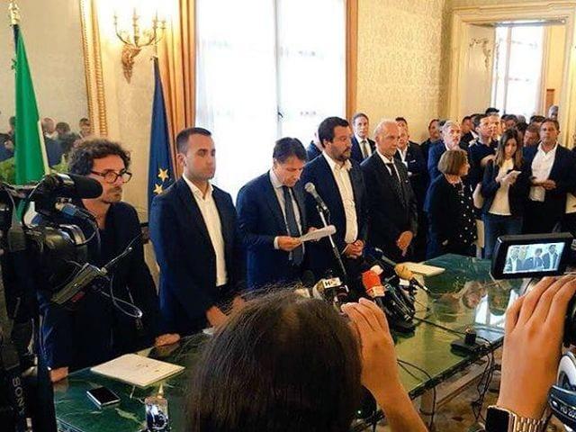 Crollo di ponte Morandi, domani Bucci e Toti consegnano prime case agli sfollati