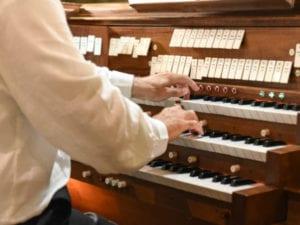 Ventimiglia, alla Cattedrale di Santa Maria Assunta concerto per organo con Jean-Baptiste Robin