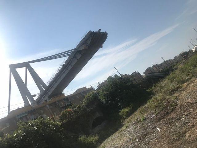 ponte morandi crollato