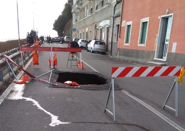 Aurelia riaperta giovedì a Voltri ma a senso unico alternato