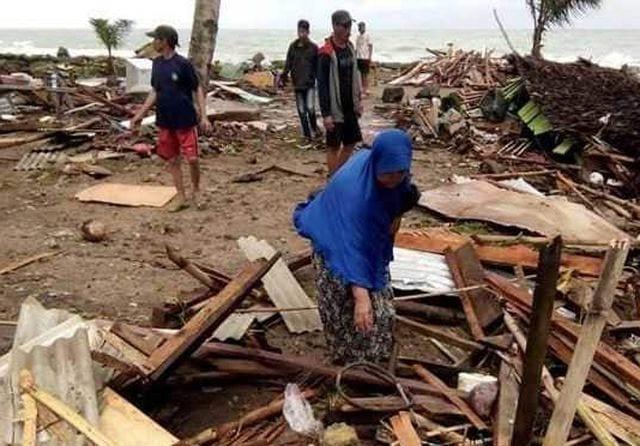 Tsunami in Indonesia, bilancio dei morti sale ancora
