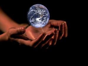 """UE Overshoot Day, l'allarme del WWF: """"Se tutti consumassero come l'UE risorse finirebbero oggi"""""""