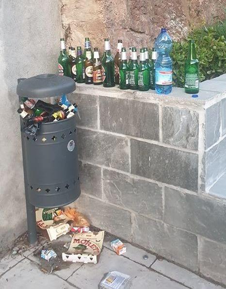 giardino lineare bottiglie