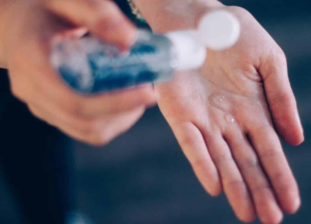 igienizzante coronavirus mani
