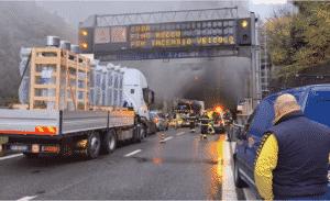 incendio autostrada A12 recco