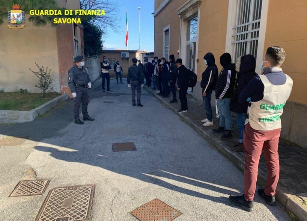 migranti vado Ligure